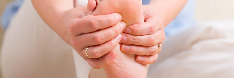 Ayaklarımız neden uyuşur?