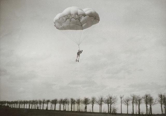 Paraşütü Kim İcat Etti?