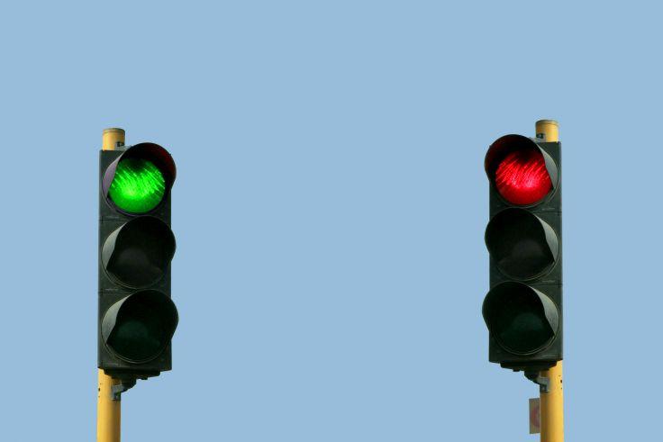 Trafik Lambalarındaki Renkler Niçin Kırmızı, Sarı ve Yeşildir?