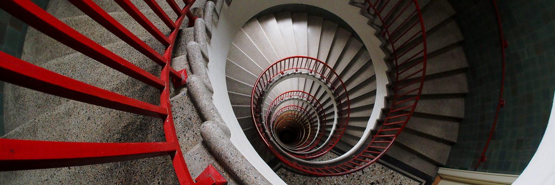 Merdiven Altından Geçmek Neden Uğursuzluk Sayılır?