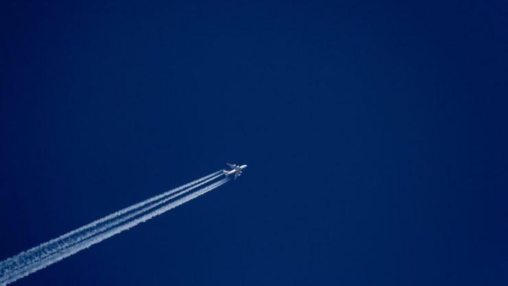 Uçaklar Neden Gökyüzünde İz Bırakırlar?