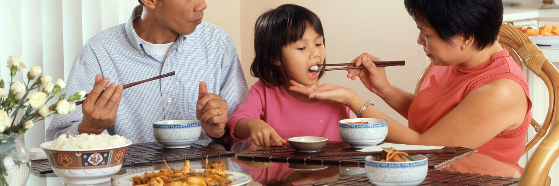 Çinliler Yiyeceklerini Niçin Çubuklarla Yerler?