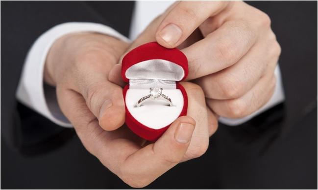 Evlenme teklifi için nasıl bir yüzük seçilmeli?